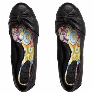 Born Lily Leather Flats